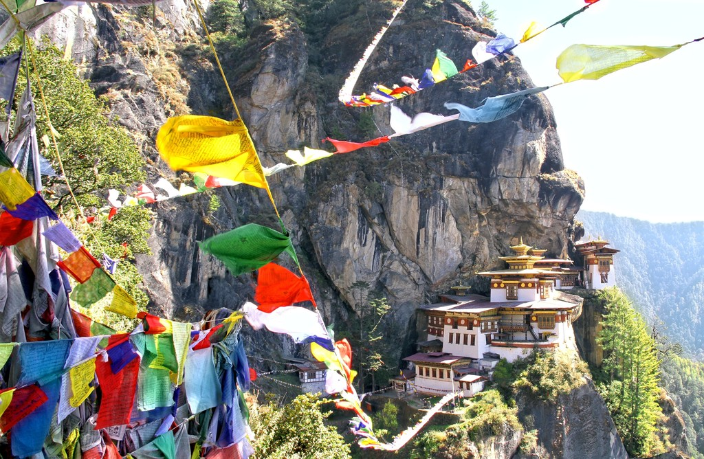 The prayer flags of Taktsang Lhakhang