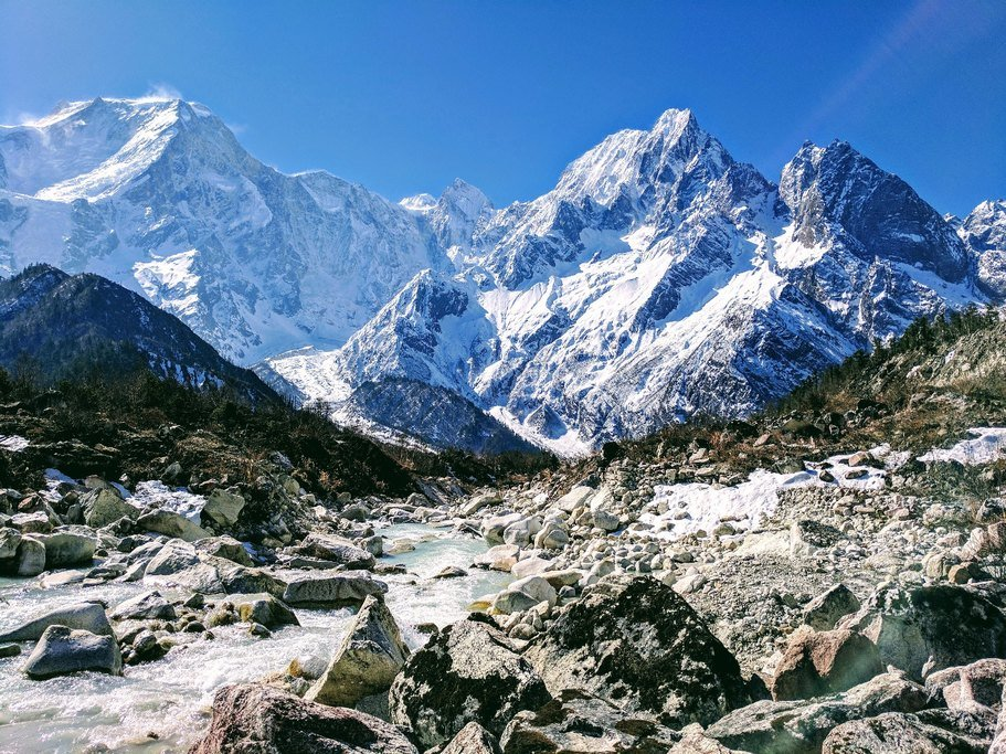 A rugged section of the Great Himalaya Trail near Mt Manaslu