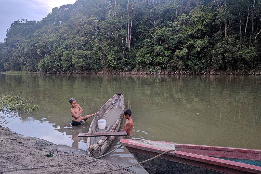 Yacuma ecolodge day multi day tours in the amazon kimkim for Big mohawk fishing boat