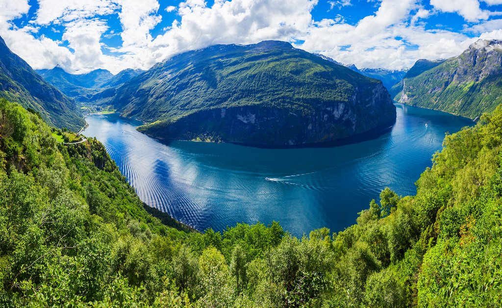 Your ship will sail through the 'S'-shaped Geirangerfjord.
