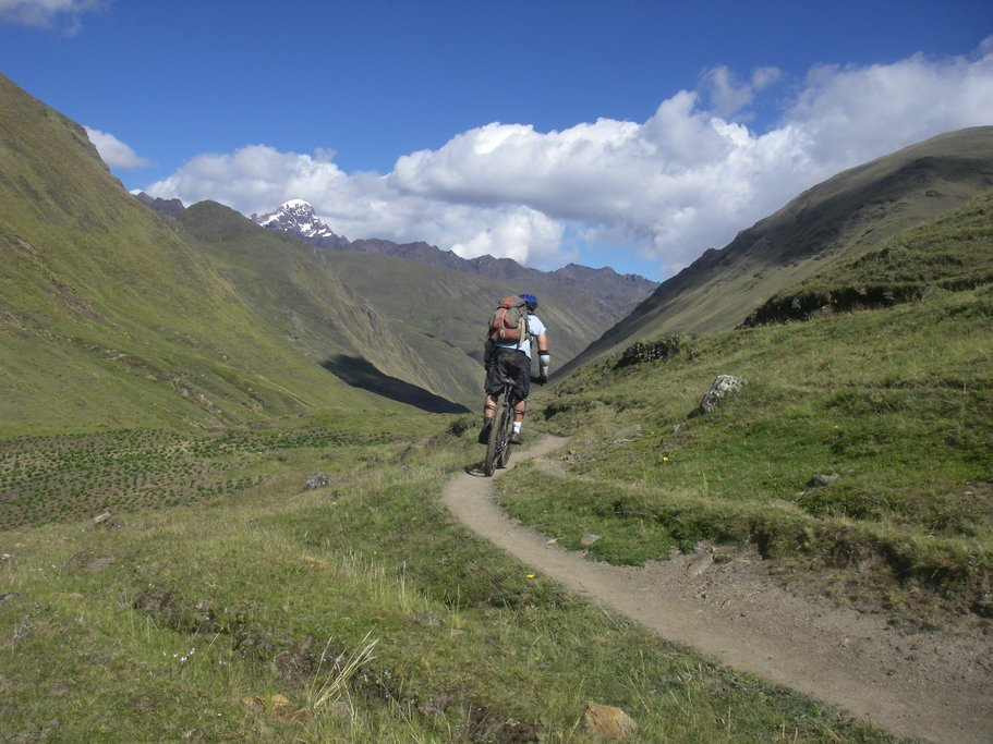Descending on single track in the Sacred Valley