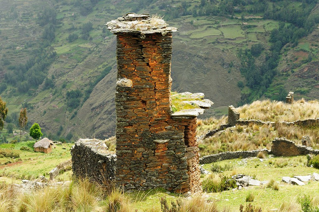 Piruro ruins near Tantamayo