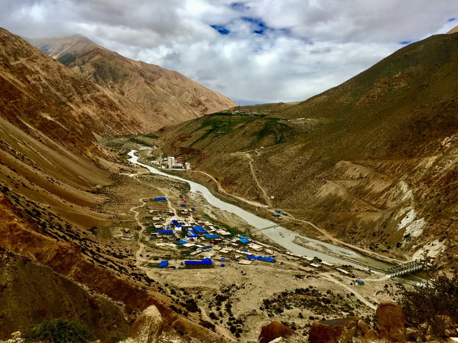 Hilsa- border town with Tibet & China (the Humla Karnali River at the bottom of the valley divides the country border)