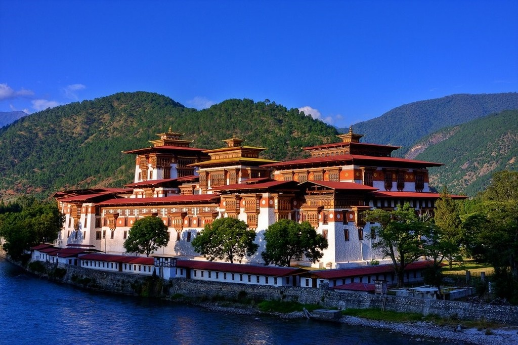 Punakha Dzong on the Phochu River