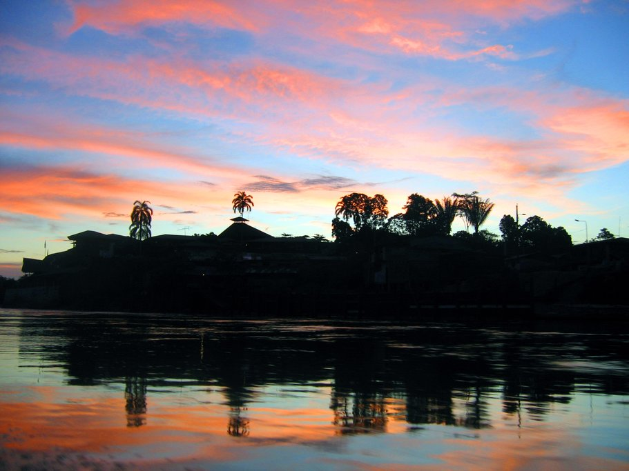 Sunset over the Río Napo