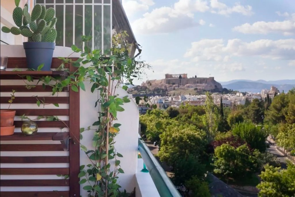 An apartment with a view of the Akropolis (Photo courtesy of Airbnb)