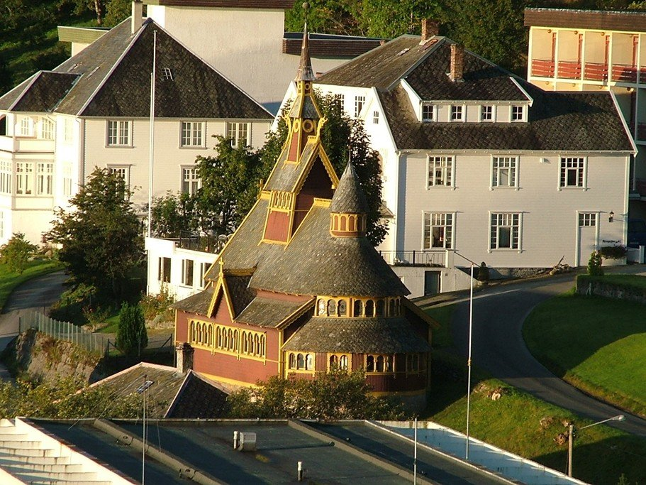 Check out Balestrand's beautiful architecture.