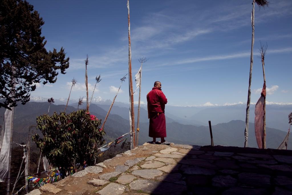 View atop Lungchutse Lhakhang