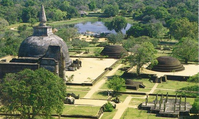 Polonnaruwa's Gal Vihara Temple Complex