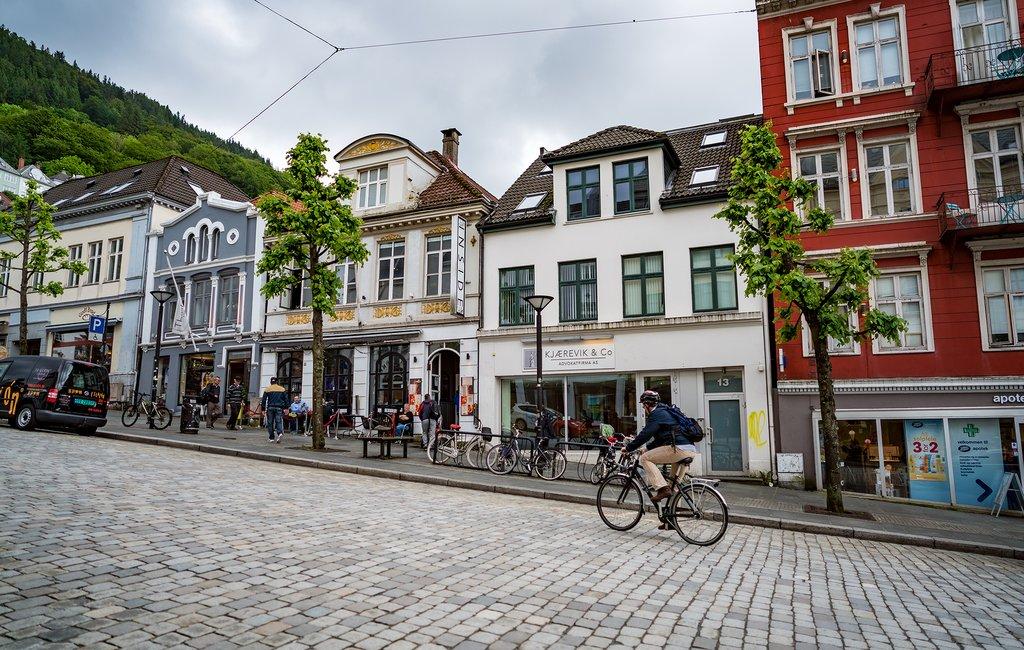 Biking Bergen's streets
