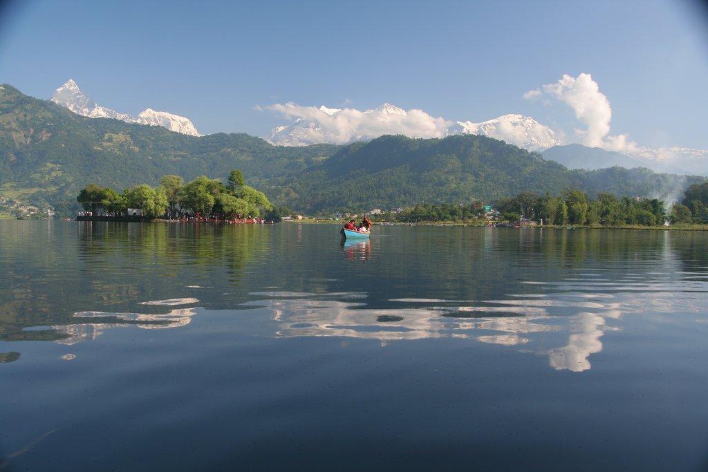 The serene Phewa Lake