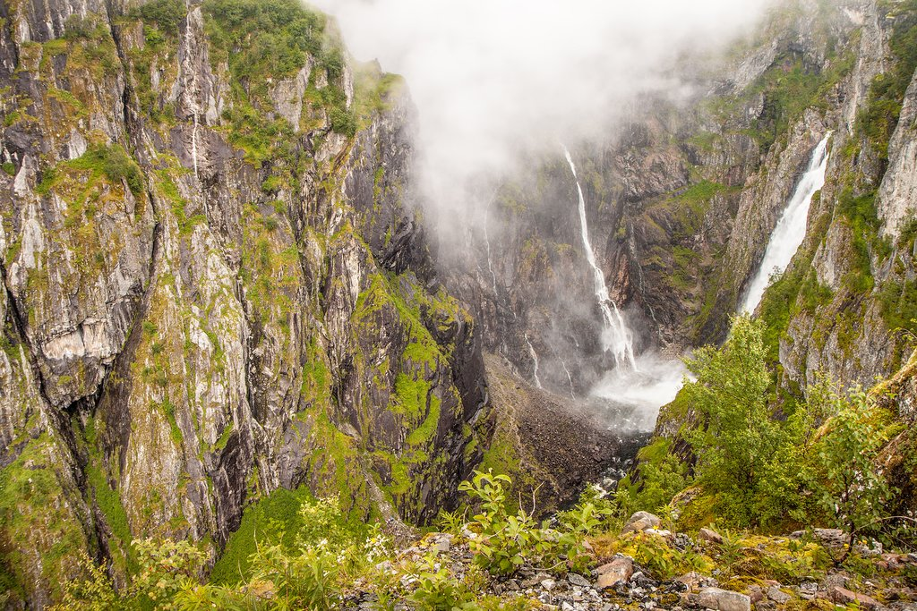 Take a stop on the way to Haugastøl to see the Vøringfossen waterfall.
