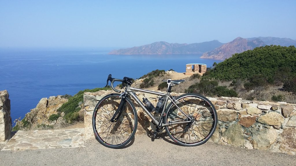 A pause in cycling along the Corsican coast