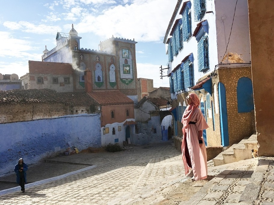 Niea in the colorful streets of Chefchaouen