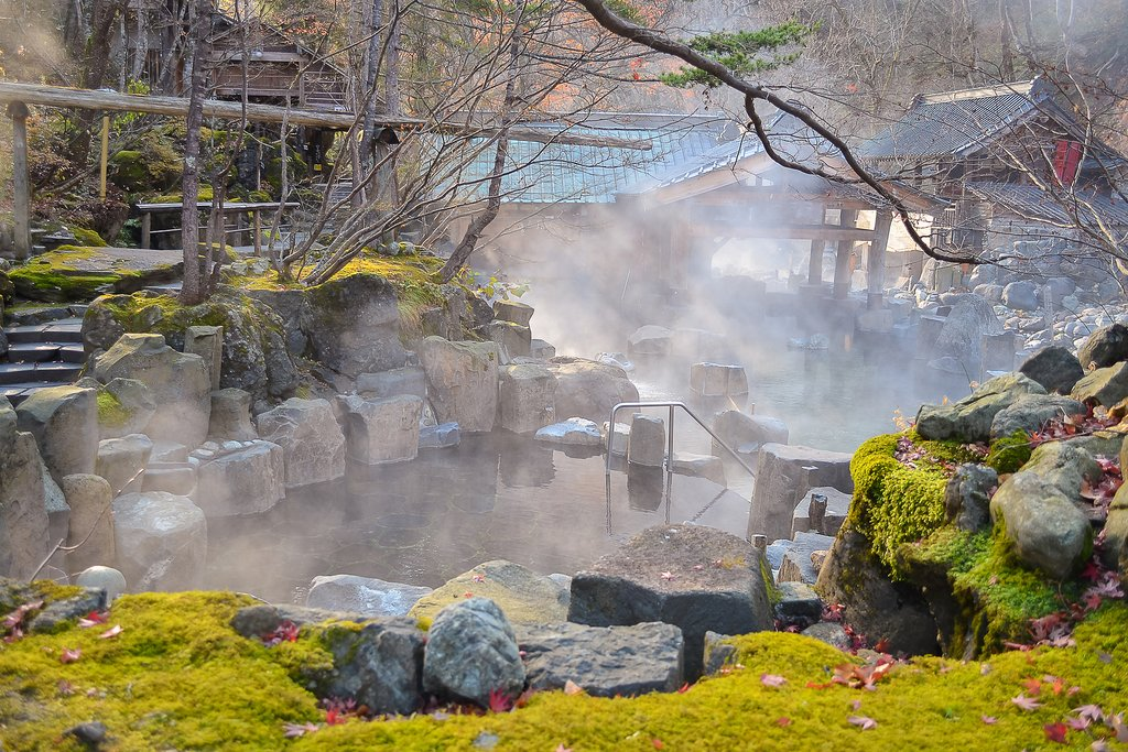 Unwind at the end of the day in peaceful hot spring