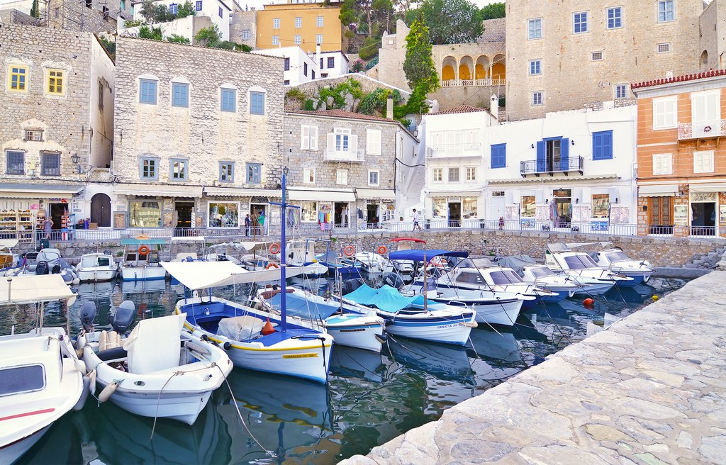 Boats, unlike cars, are allowed on the island of Hydra