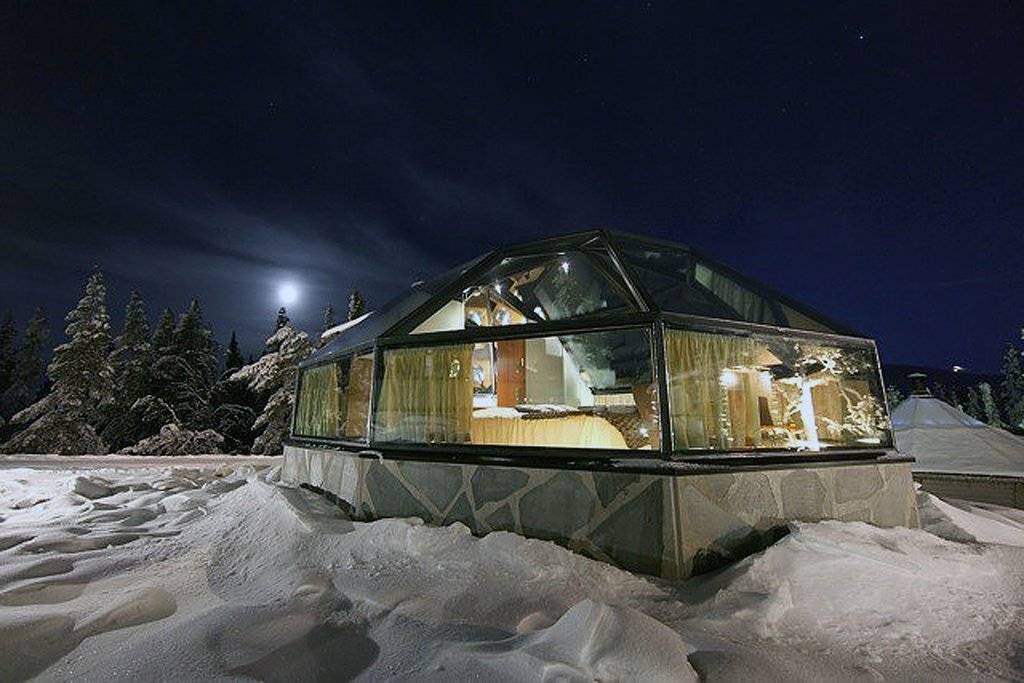 A glass igloo under the stars