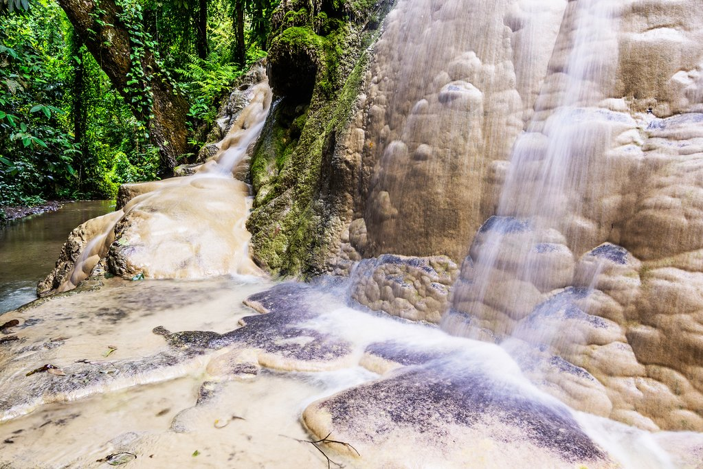Bua Tong Waterfall