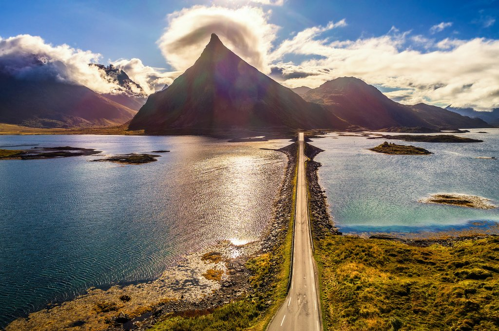 Driving the Lofoten Islands in autumn