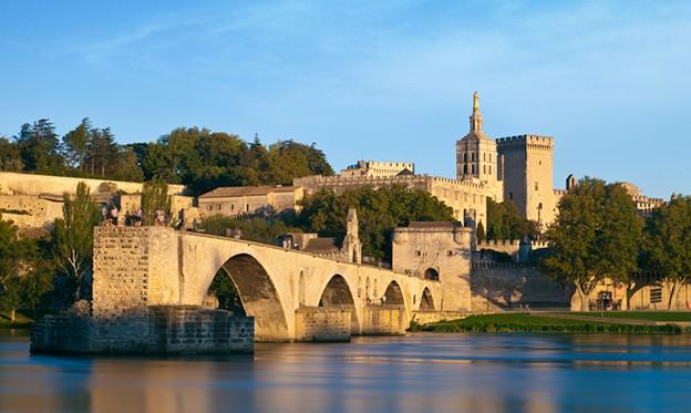 The famous bridge of Avignon & Pope Palace