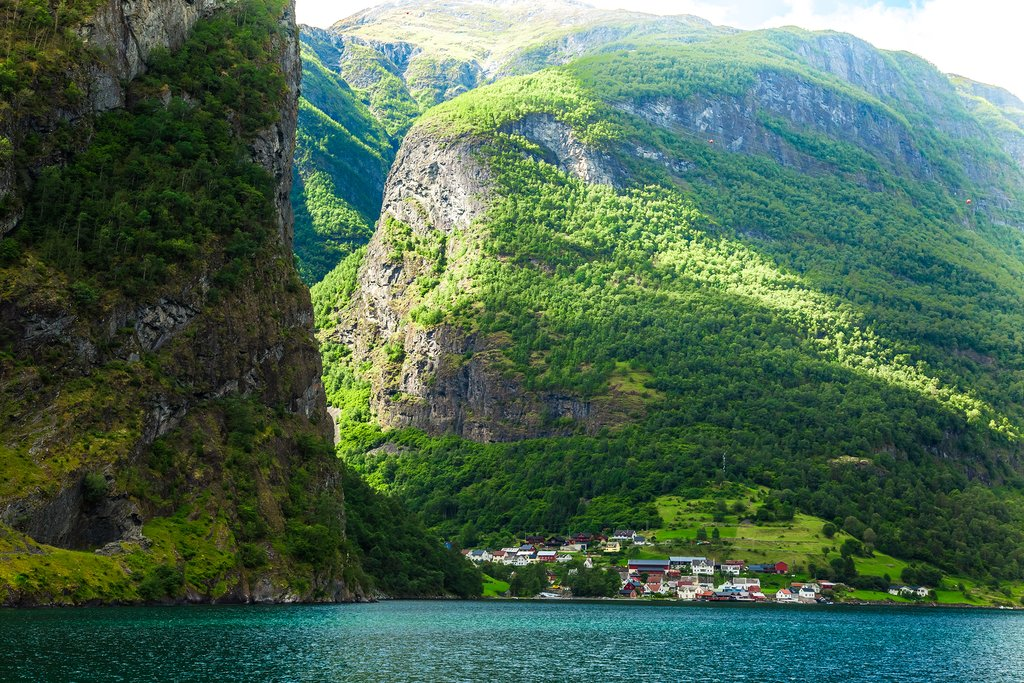 Take a scenic train to the village of Flåm for lunch.