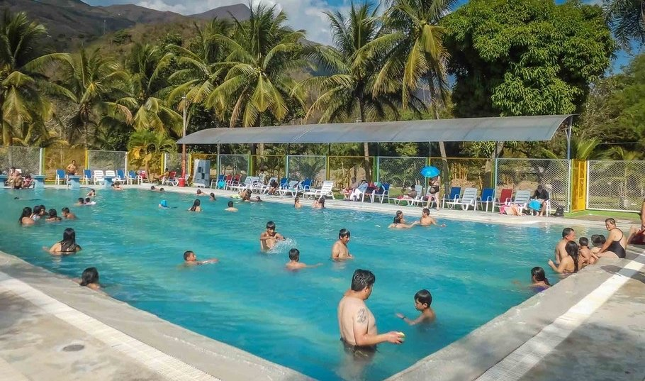 Swimming pools near Quillabamba offer a cool respite from the jungle heat.