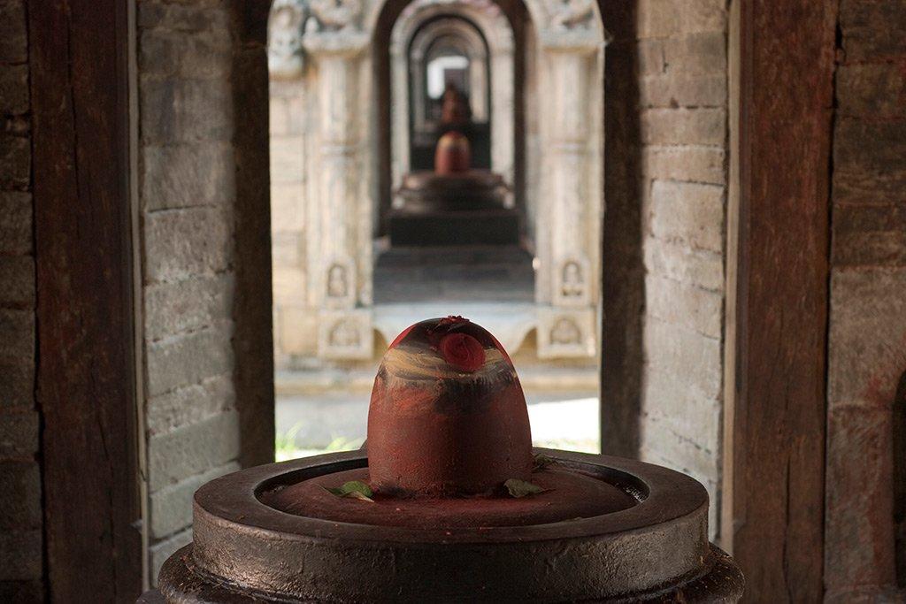 Shiva lingams temples