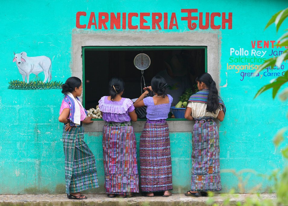 Traditional Mayan women Atitlan