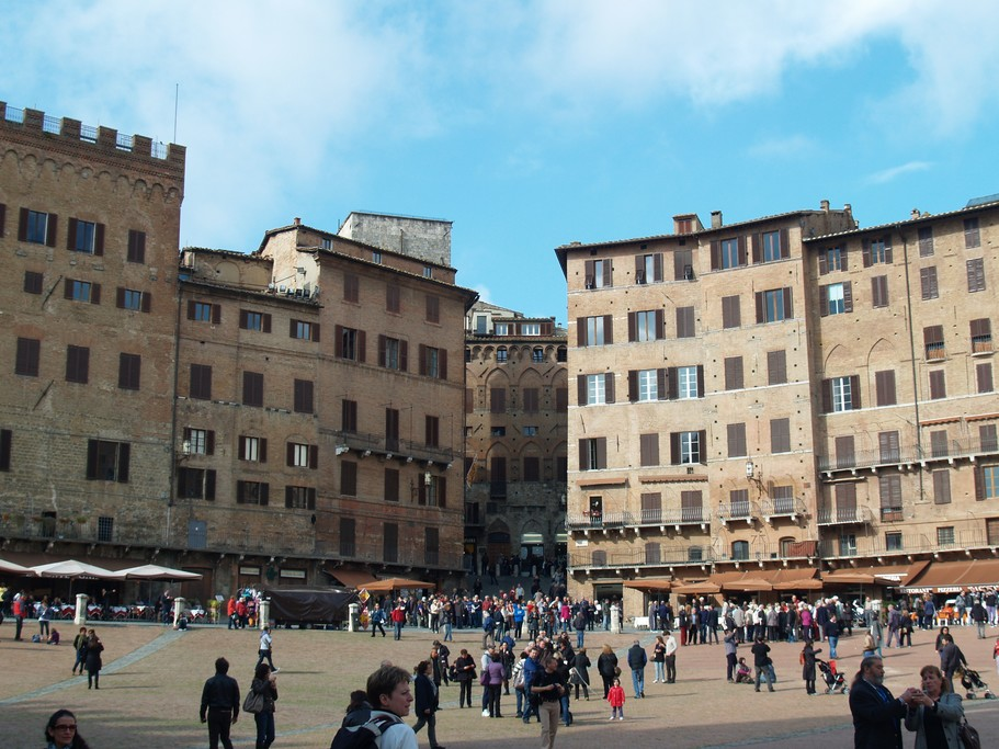 Siena's famed main square