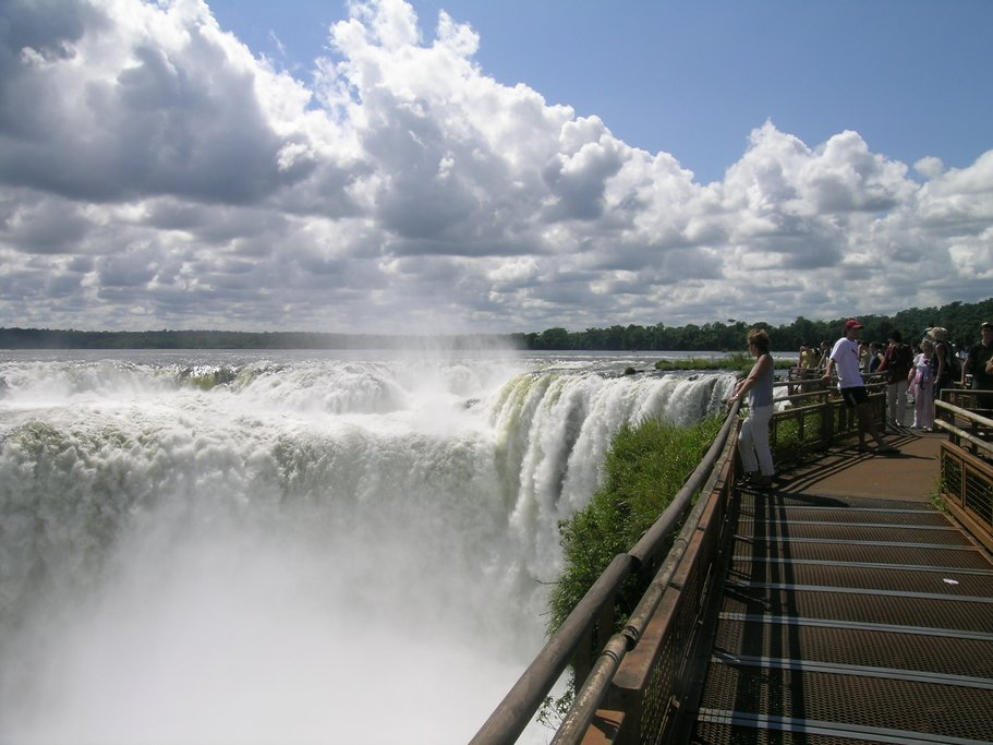 Get up close and personal with the secure walkways that bring you next to the falls