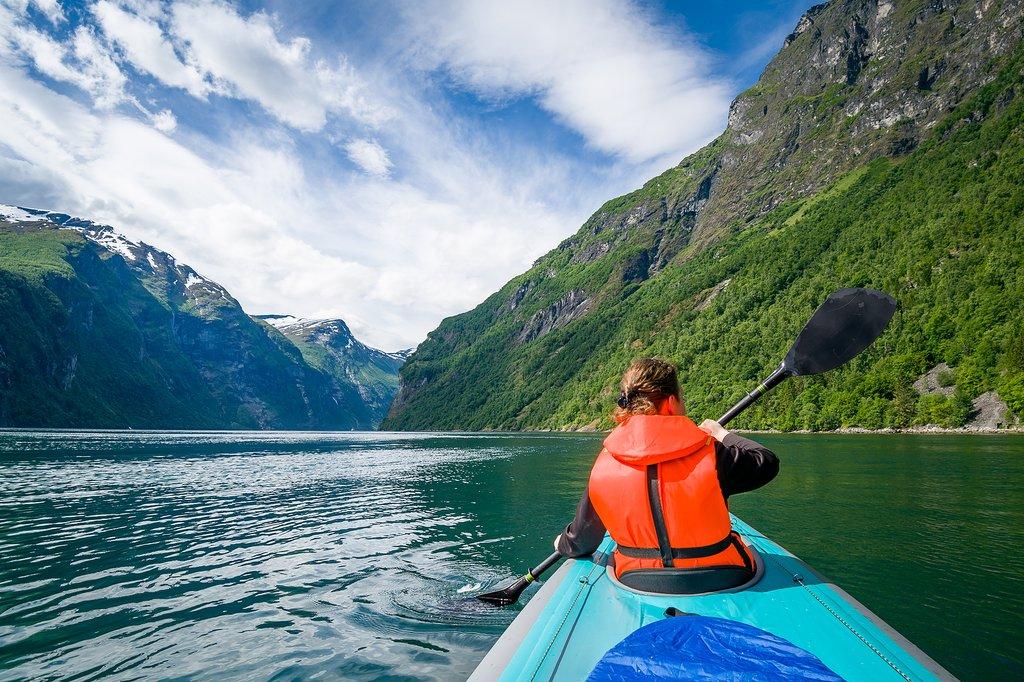 Lake Årdalsvatnet