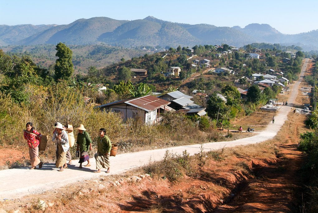 Leaving the village of Kalaw