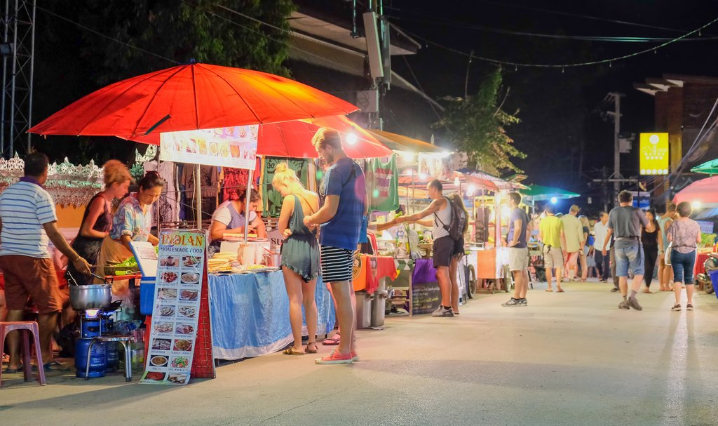 The bustling Pai night market