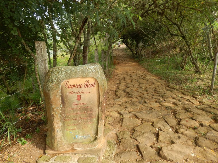 Camino Real trail from Barichara to Guane (photo courtesy of Bonnie Sibley)