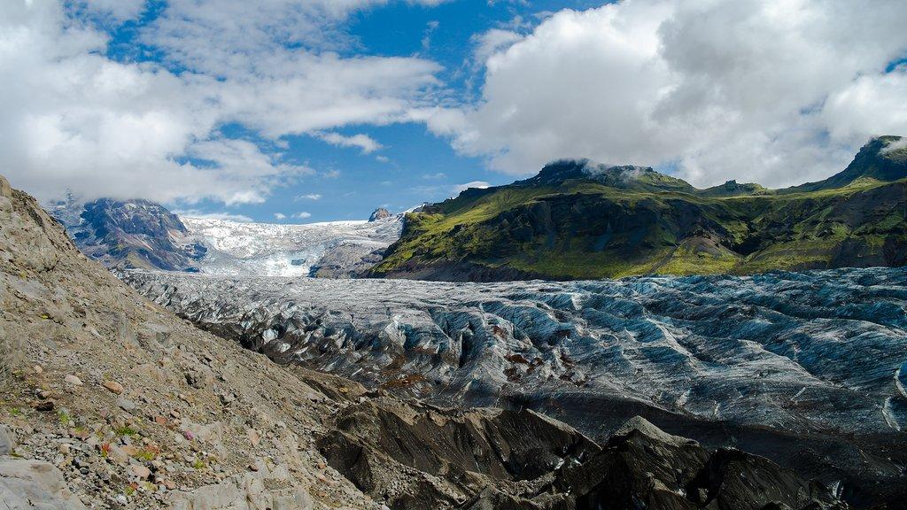 Svinafelljokull glacier in Skaftafell national park