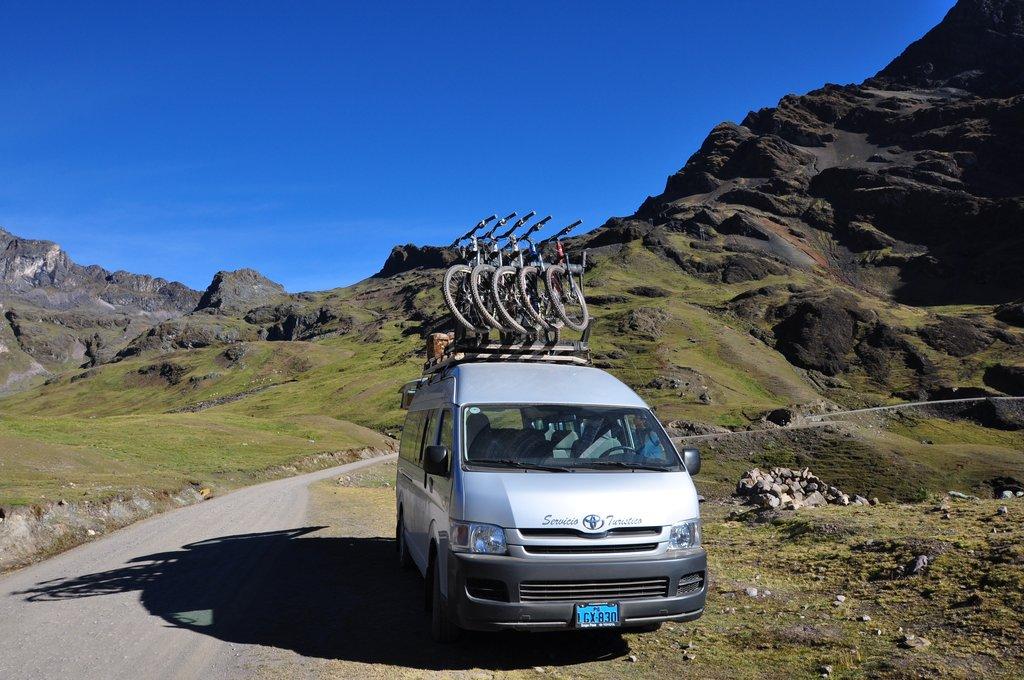 Amparaes Pass