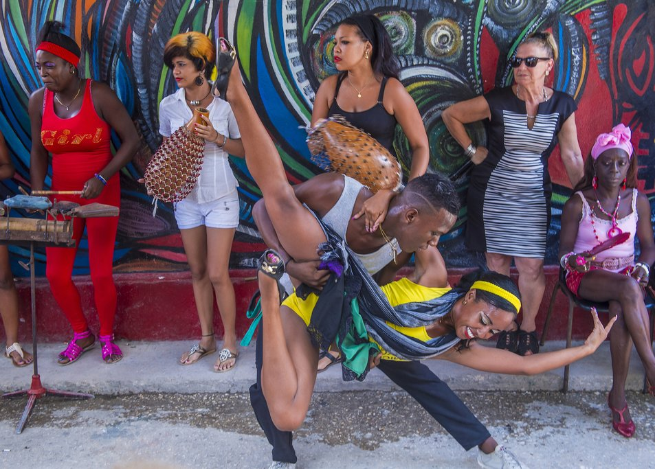 Cuban dancers in Havana