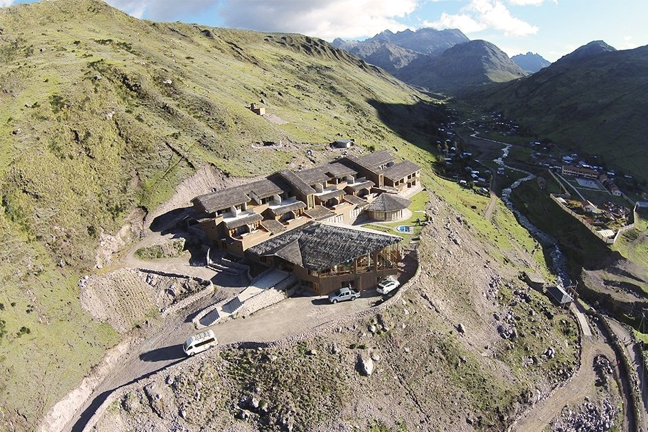 A bird's-eye view of a lodge along the hiking trail (Photo courtesy of Mountain Lodges of Peru)