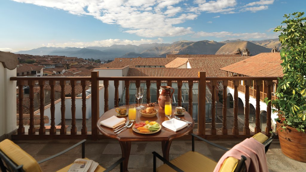 Gourmet breakfast served on a balcony at Belmond Palacio Nazarenas (Photo courtesy of Belmond Palacio Nazarenas)