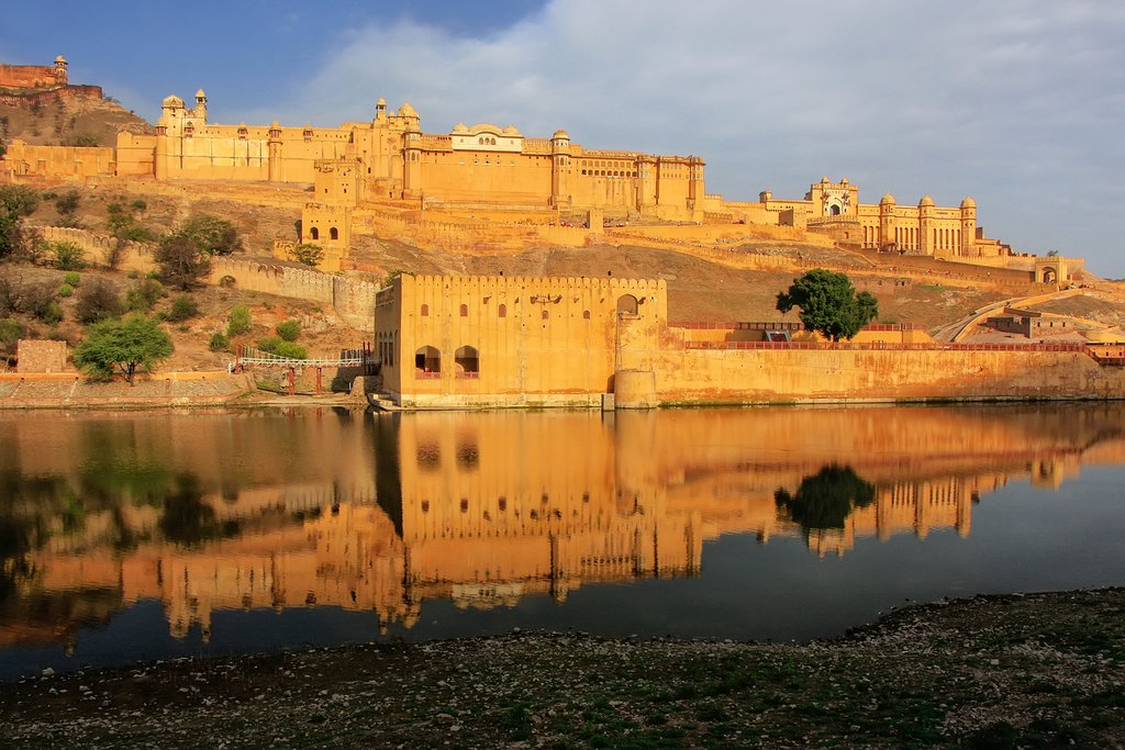 Amber Fort reflected in the waters of Maota Lake