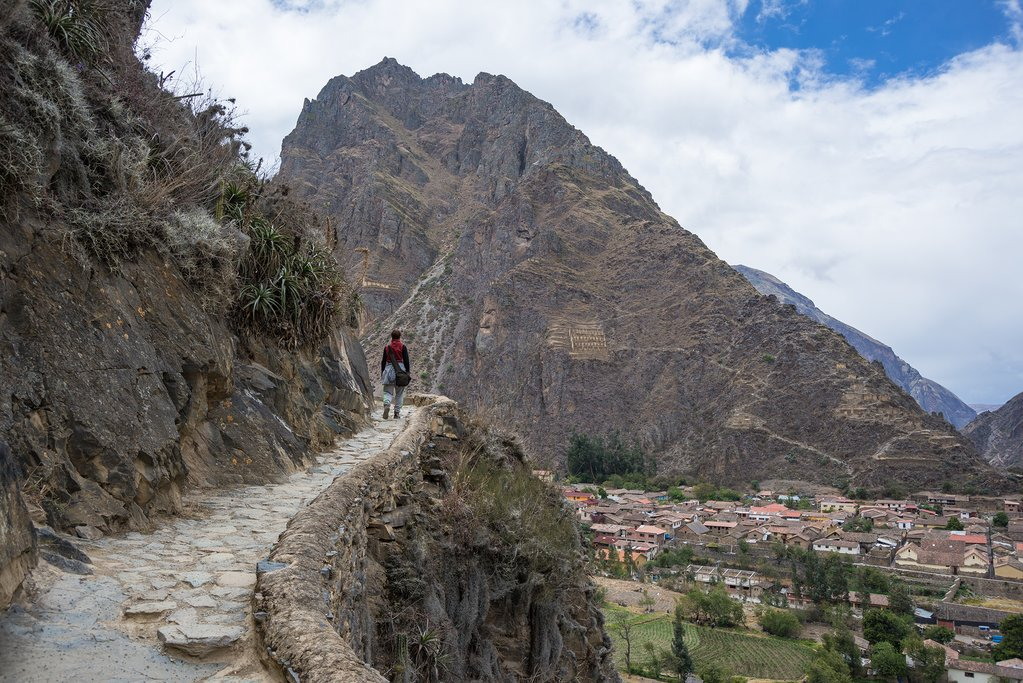Explore the Inca Trails above the archaeological site at Ullantaytampu