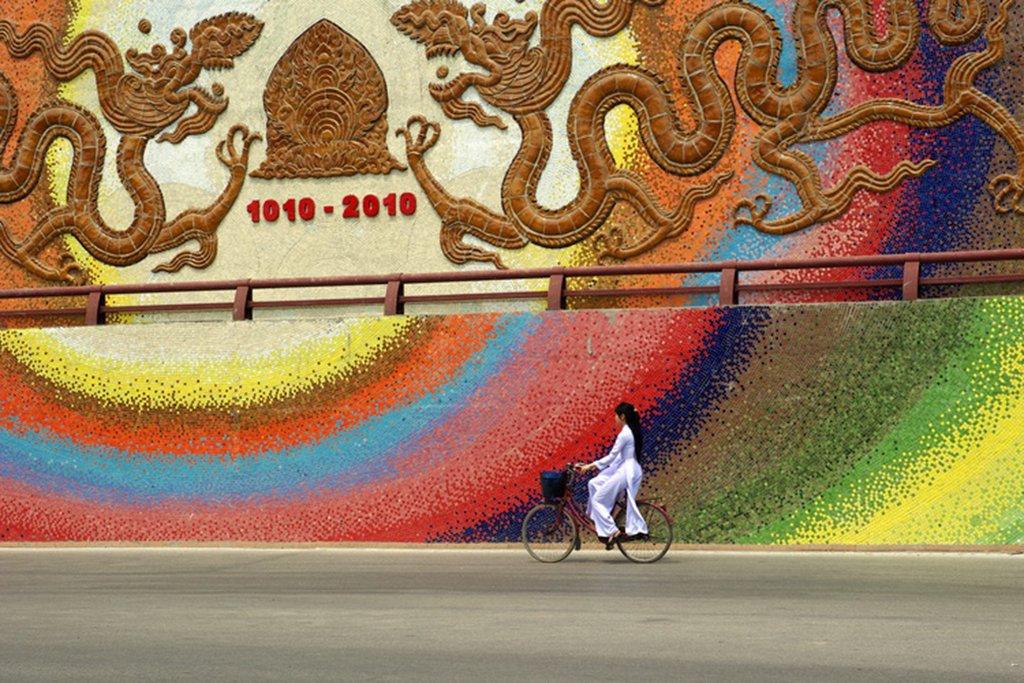 Ceramic mosaic in Hanoi