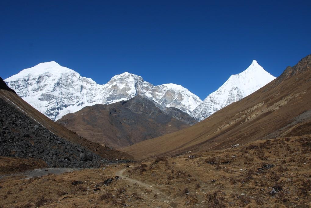 Peaks of Jichu Drake and Tserim Kang