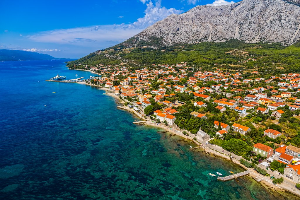 Explore the Pelješac Peninsula and catch a ferry to Korčula from Orebić