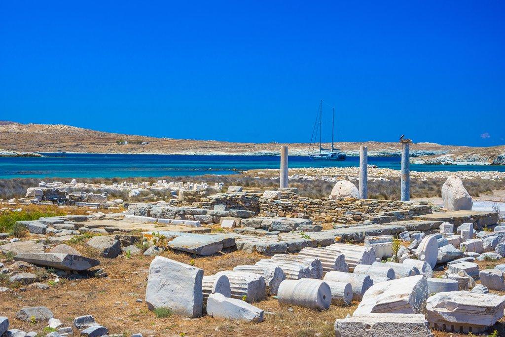 Columns on Delos