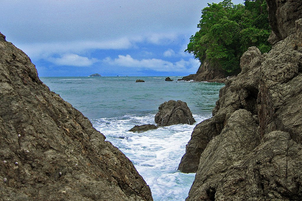 The scenic Pacific Coast of Costa Rica