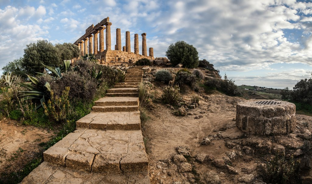 Find your way to the well-preserved Temple of Juno in Agrigento