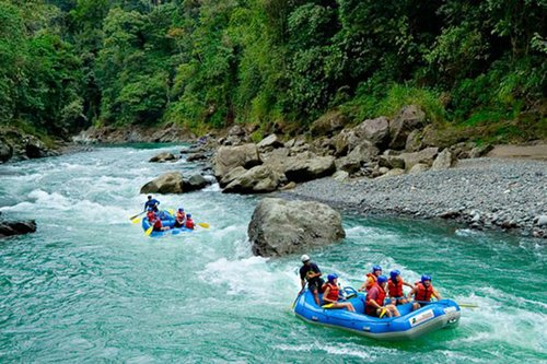 Whitewater rafting down the Pacuare river