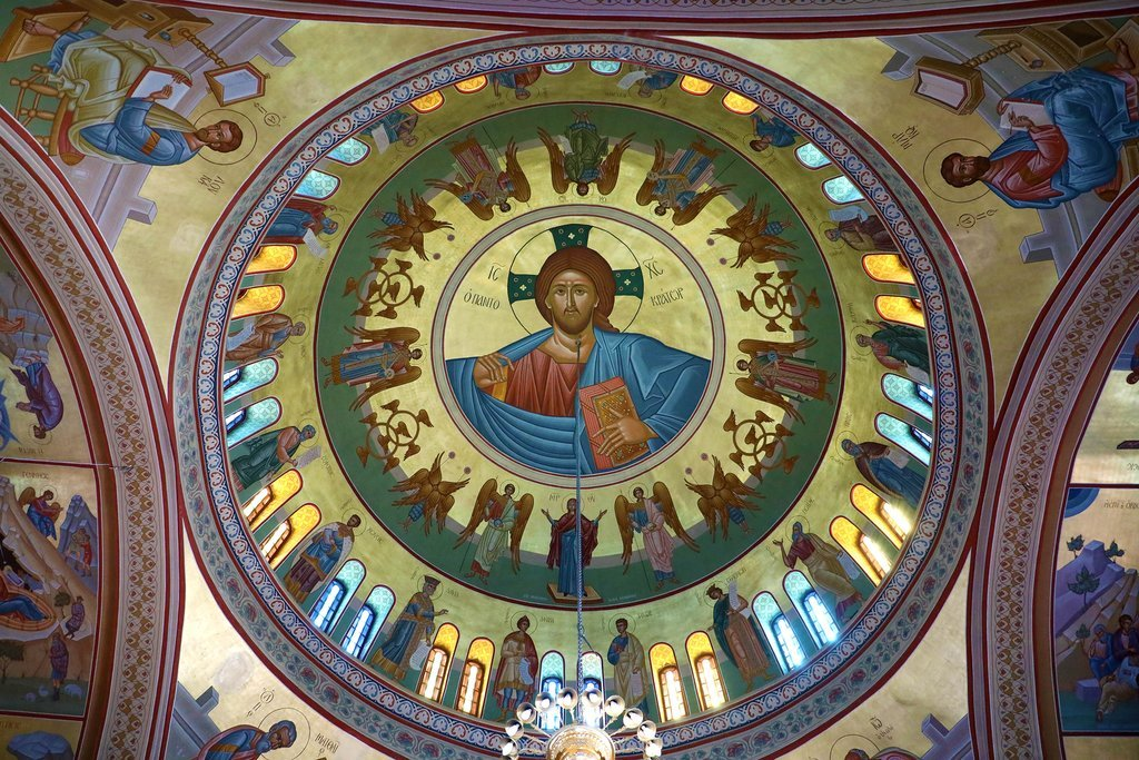 February's weather makes it a prime month for indoor cultural activities, like visiting the Orthodox cathedral in Fira