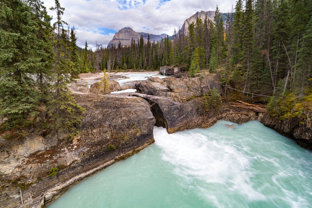 Natural Bridge, a rock formation in Yoho National Park